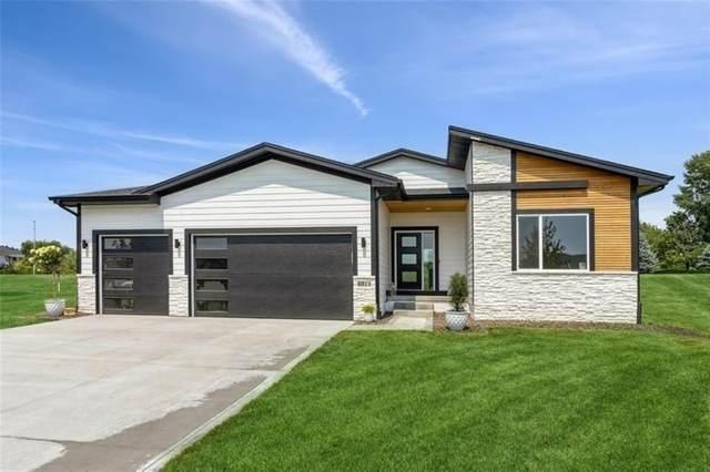 8811 Scarlet Drive, West Des Moines, IA 50266 (MLS #634431) :: Moulton Real Estate Group