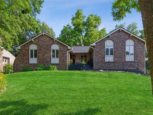 1600 Pleasant View Drive, Des Moines, IA 50315 (MLS #634452) :: Pennie Carroll & Associates
