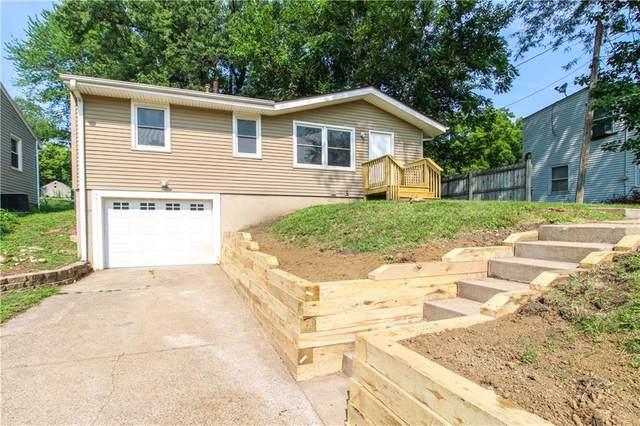 2700 56th Street, Des Moines, IA 50310 (MLS #634878) :: Moulton Real Estate Group
