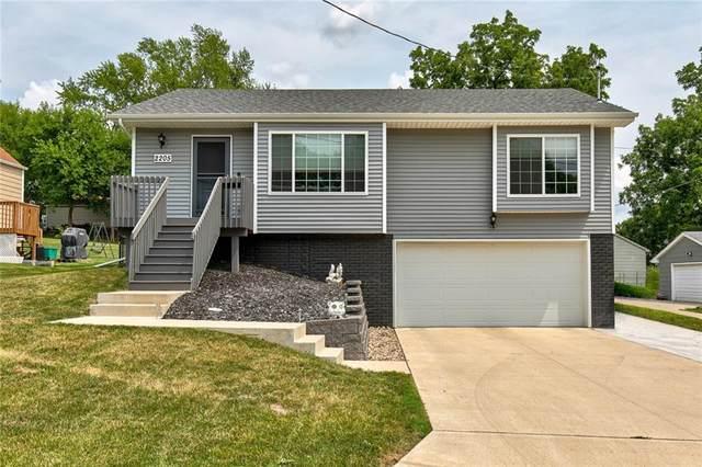 2205 SW 1st Street, Des Moines, IA 50315 (MLS #634903) :: Moulton Real Estate Group