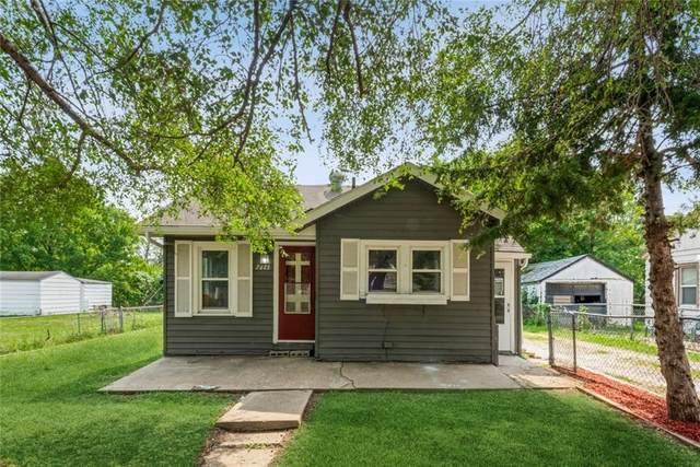 2613 Maury Street, Des Moines, IA 50317 (MLS #637437) :: Pennie Carroll & Associates