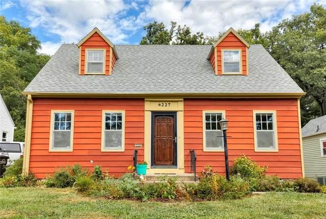 4227 Northwest Drive, Des Moines, IA 50310 (MLS #637923) :: Pennie Carroll & Associates