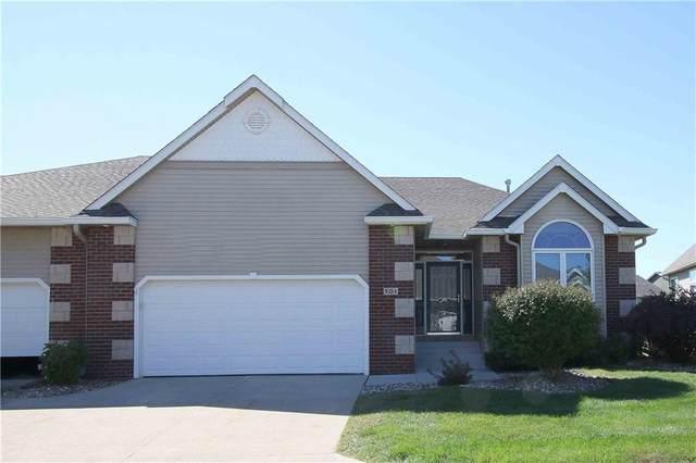 301 NE Eaglewood Drive, Ankeny, IA 50021 (MLS #638017) :: Pennie Carroll & Associates