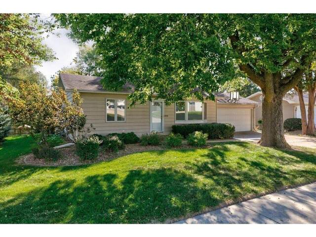 220 Prairie Street, Pella, IA 50219 (MLS #638058) :: Pennie Carroll & Associates