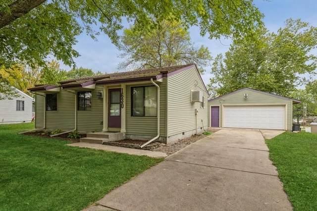 1630 Pleasant Street, Adel, IA 50003 (MLS #638060) :: Pennie Carroll & Associates
