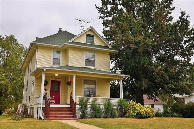 311 4th Avenue, Grinnell, IA 50112 (MLS #639147) :: Pennie Carroll & Associates