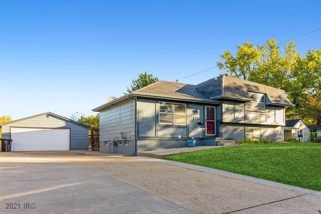 1711 Southlawn Drive, Des Moines, IA 50315 (MLS #639390) :: Pennie Carroll & Associates