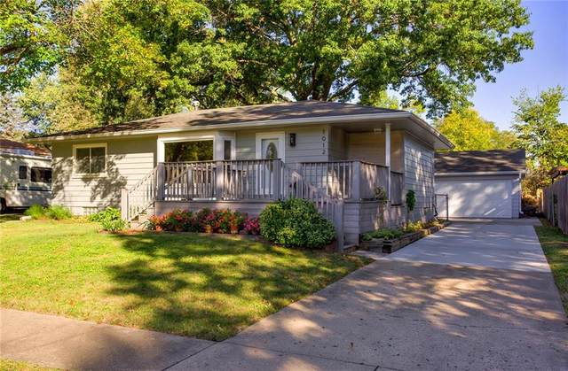 1012 E Franklin Avenue, Indianola, IA 50125 (MLS #639744) :: Pennie Carroll & Associates