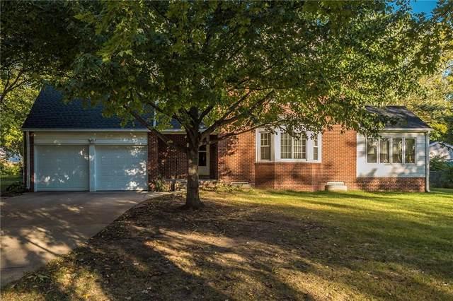 2741 51st Street, Des Moines, IA 50310 (MLS #639781) :: Pennie Carroll & Associates
