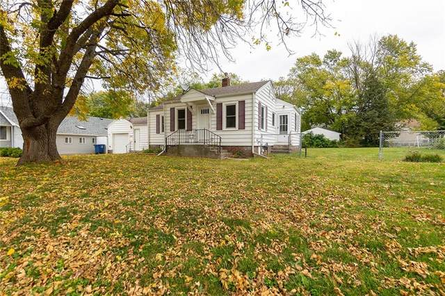 3225 SW 13th Street, Des Moines, IA 50315 (MLS #640056) :: Better Homes and Gardens Real Estate Innovations