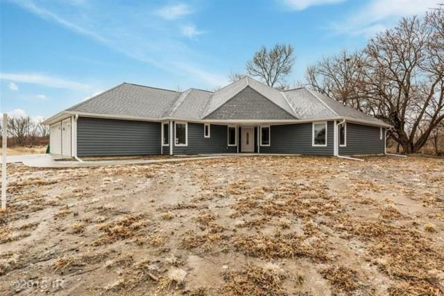 9170 NW 62nd Avenue, Johnston, IA 50131 (MLS #555381) :: Pennie Carroll & Associates