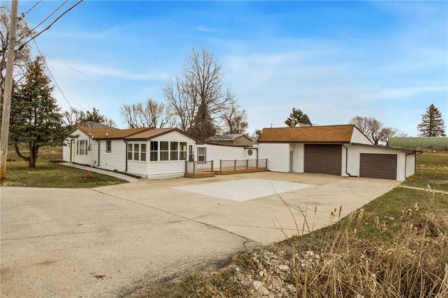 4485 NE 34th Street, Des Moines, IA 50317 (MLS #558113) :: Moulton & Associates Realtors