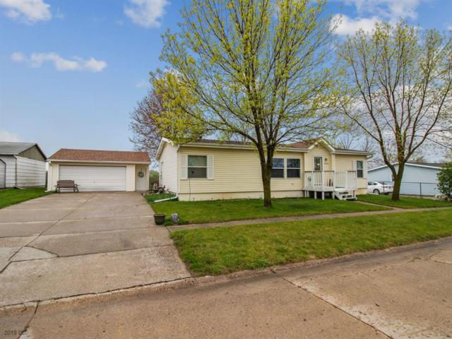 5824 Oak Street, Berwick, IA 50032 (MLS #581194) :: Better Homes and Gardens Real Estate Innovations