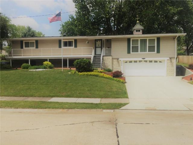 3606 N Elmwood Avenue, Davenport, IA 52806 (MLS #582154) :: Kyle Clarkson Real Estate Team