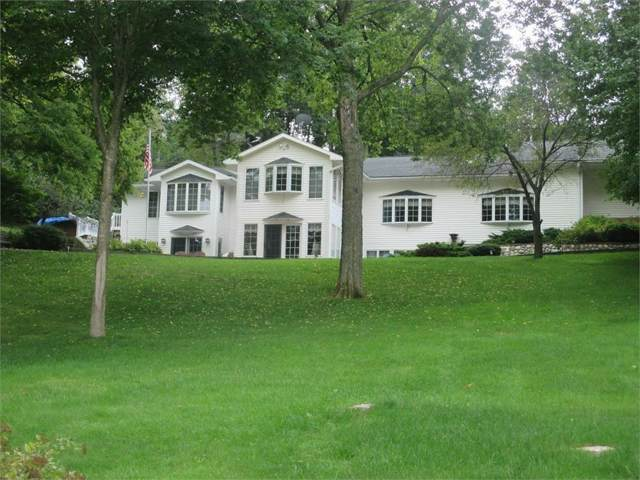 3019 E Lakeshore Drive, Brooklyn, IA 52211 (MLS #594955) :: Better Homes and Gardens Real Estate Innovations