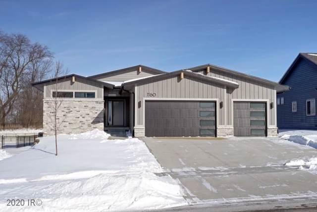 7760 Spring Creek Drive, Pleasant Hill, IA 50327 (MLS #596883) :: Pennie Carroll & Associates