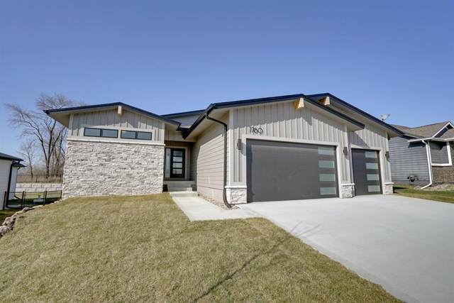 7760 Spring Creek Drive, Pleasant Hill, IA 50327 (MLS #601759) :: Better Homes and Gardens Real Estate Innovations