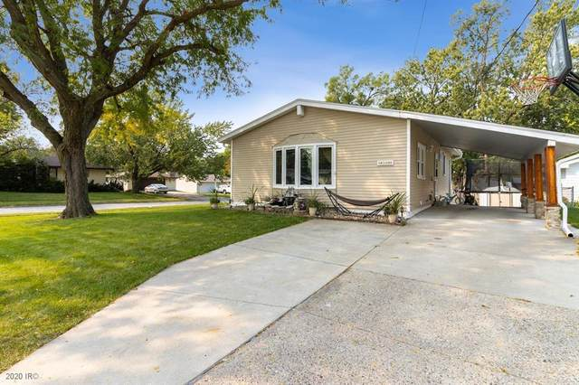 4100 64th Street, Urbandale, IA 50322 (MLS #614299) :: Pennie Carroll & Associates