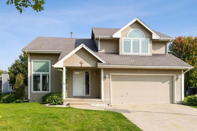 8211 Brookview Drive, Urbandale, IA 50322 (MLS #614598) :: Moulton Real Estate Group