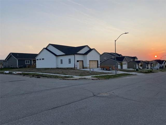 5370 Bulldog Avenue, Van Meter, IA 50261 (MLS #615234) :: Better Homes and Gardens Real Estate Innovations