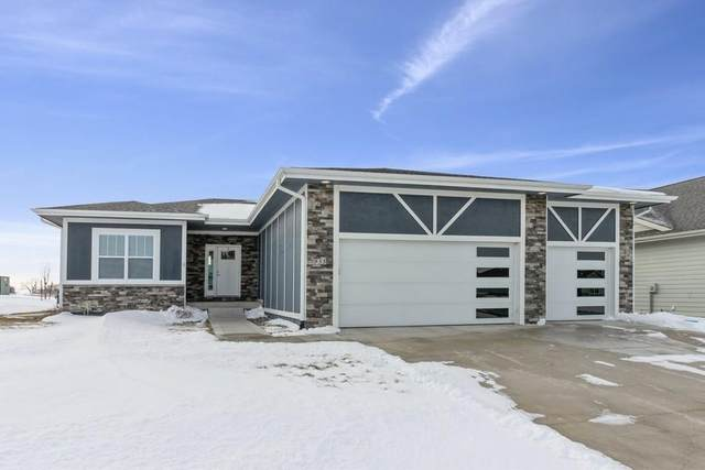 955 Spruce Street, Waukee, IA 50263 (MLS #620203) :: Better Homes and Gardens Real Estate Innovations