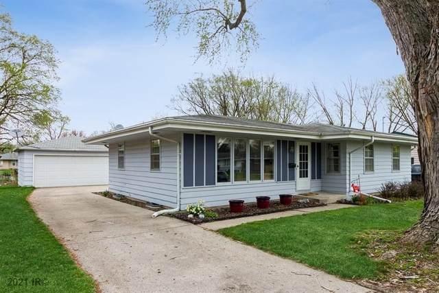3317 Lindlavista Way, Des Moines, IA 50310 (MLS #626260) :: Pennie Carroll & Associates
