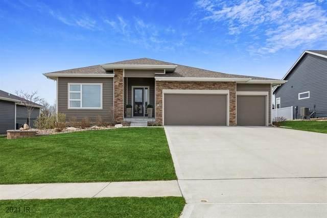 788 63rd Street, West Des Moines, IA 50266 (MLS #626753) :: Moulton Real Estate Group