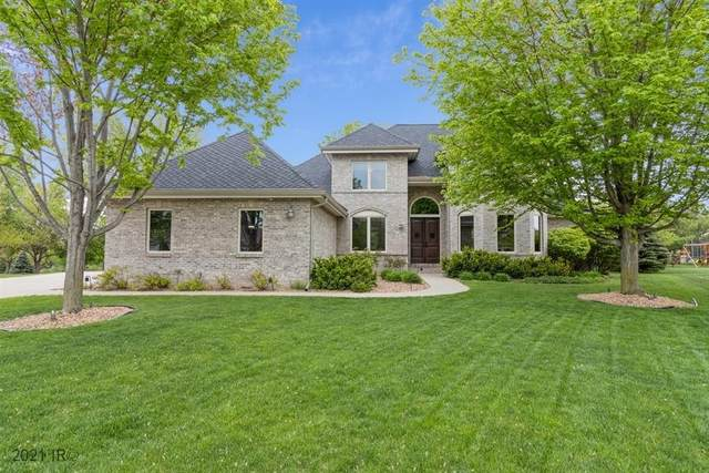 9308 Catalina Circle, Johnston, IA 50131 (MLS #628958) :: Pennie Carroll & Associates
