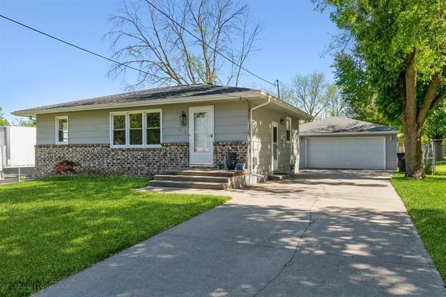 3107 E Madison Avenue, Des Moines, IA 50317 (MLS #629066) :: Pennie Carroll & Associates