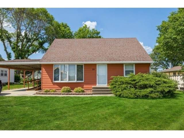 715 Ash Street, Carlisle, IA 50047 (MLS #631179) :: Better Homes and Gardens Real Estate Innovations