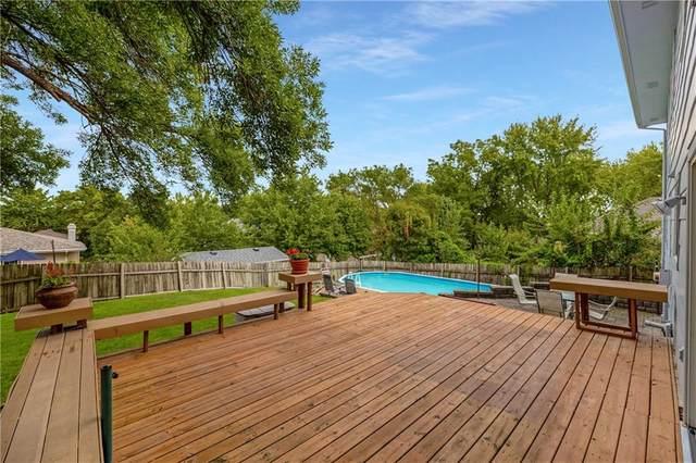 9659 Forest Avenue, Clive, IA 50325 (MLS #636512) :: Pennie Carroll & Associates