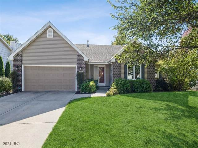 5504 Cody Drive, West Des Moines, IA 50266 (MLS #640140) :: The dsmSOLD Team