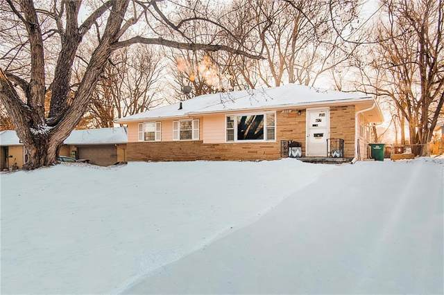 808 17th Street, West Des Moines, IA 50265 (MLS #599156) :: Better Homes and Gardens Real Estate Innovations
