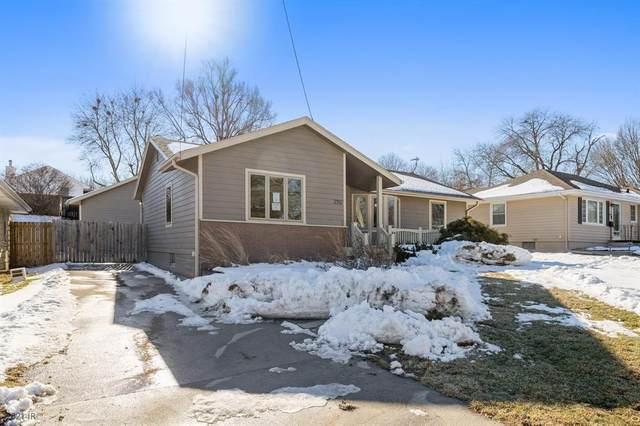 2312 Locust Street, West Des Moines, IA 50265 (MLS #621293) :: EXIT Realty Capital City