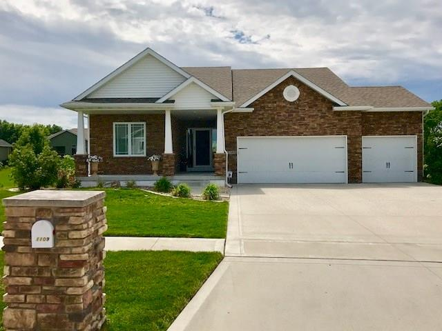 1109 Ridgewood Drive, Huxley, IA 50124 (MLS #559591) :: Moulton & Associates Realtors