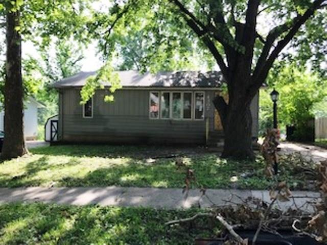 4307 6th Street, Des Moines, IA 50315 (MLS #565433) :: Pennie Carroll & Associates
