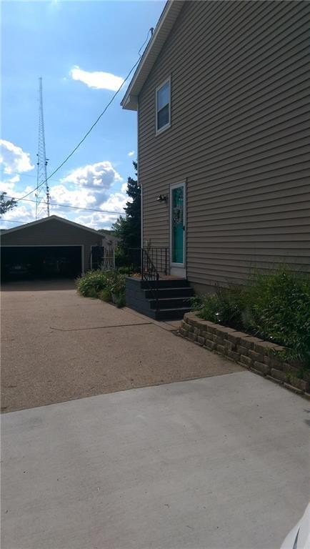 4100 E 23rd Street, Des Moines, IA 50317 (MLS #565458) :: Better Homes and Gardens Real Estate Innovations