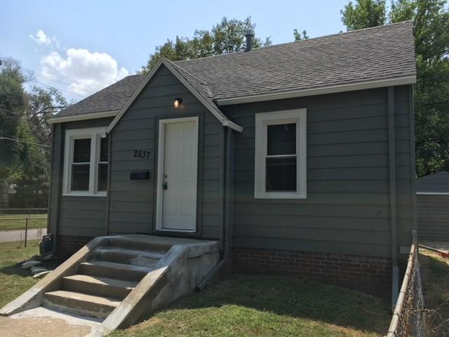 2837 Capitol Avenue, Des Moines, IA 50317 (MLS #567185) :: Moulton & Associates Realtors