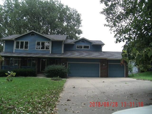 3313 SW 42nd Street, Des Moines, IA 50321 (MLS #568611) :: Colin Panzi Real Estate Team