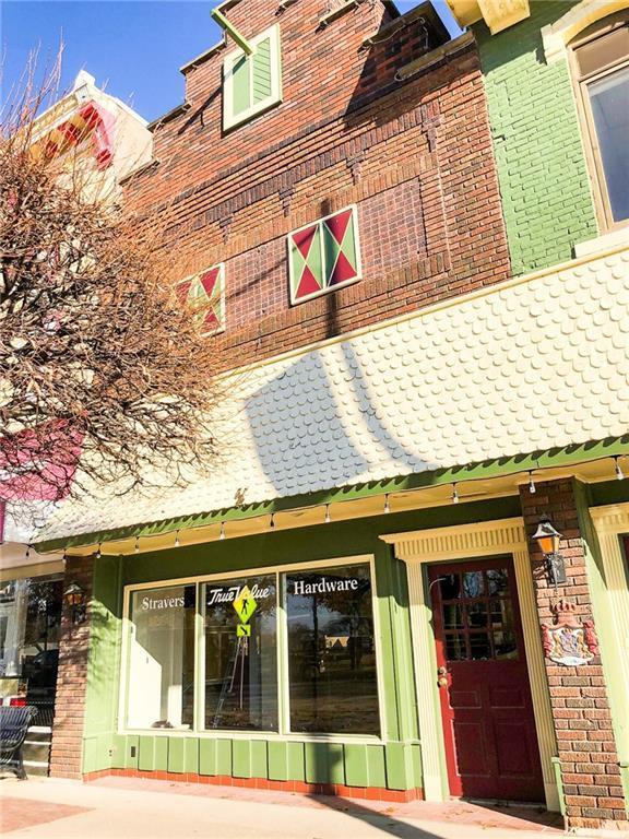 816 Main Street, Pella, IA 50219 (MLS #576912) :: Moulton & Associates Realtors
