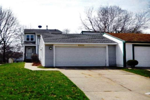 8204 Greenbelt Drive, Urbandale, IA 50322 (MLS #580576) :: Colin Panzi Real Estate Team