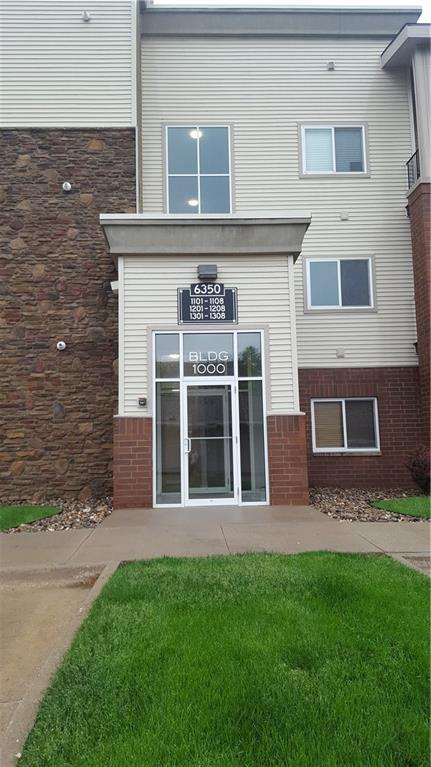 6350 Coachlight Drive #1303, West Des Moines, IA 50266 (MLS #583302) :: Colin Panzi Real Estate Team