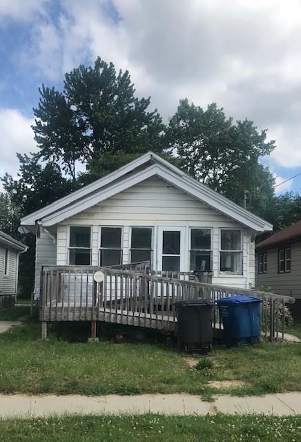 2738 E Grand Avenue, Des Moines, IA 50317 (MLS #584590) :: Kyle Clarkson Real Estate Team