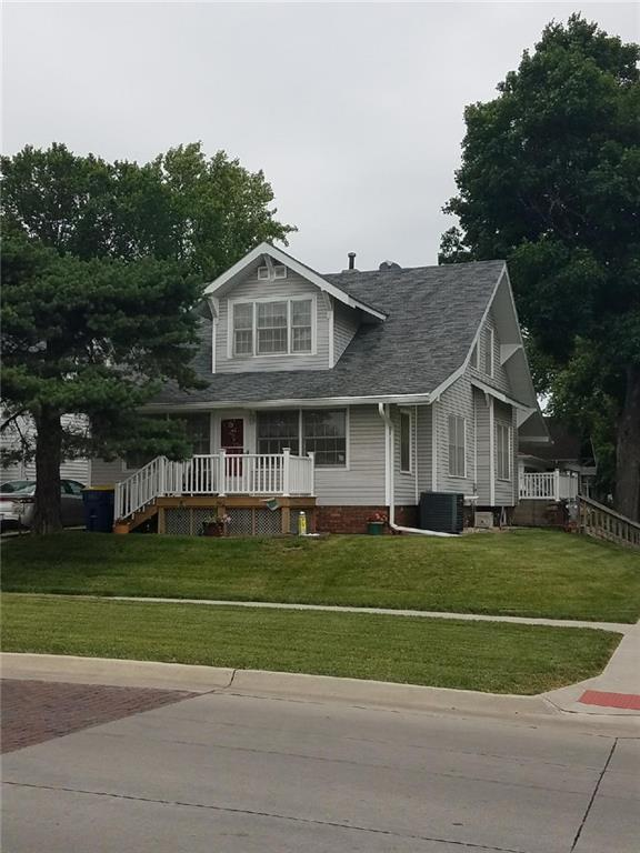 600 Washington Street, Pella, IA 50219 (MLS #584815) :: Kyle Clarkson Real Estate Team