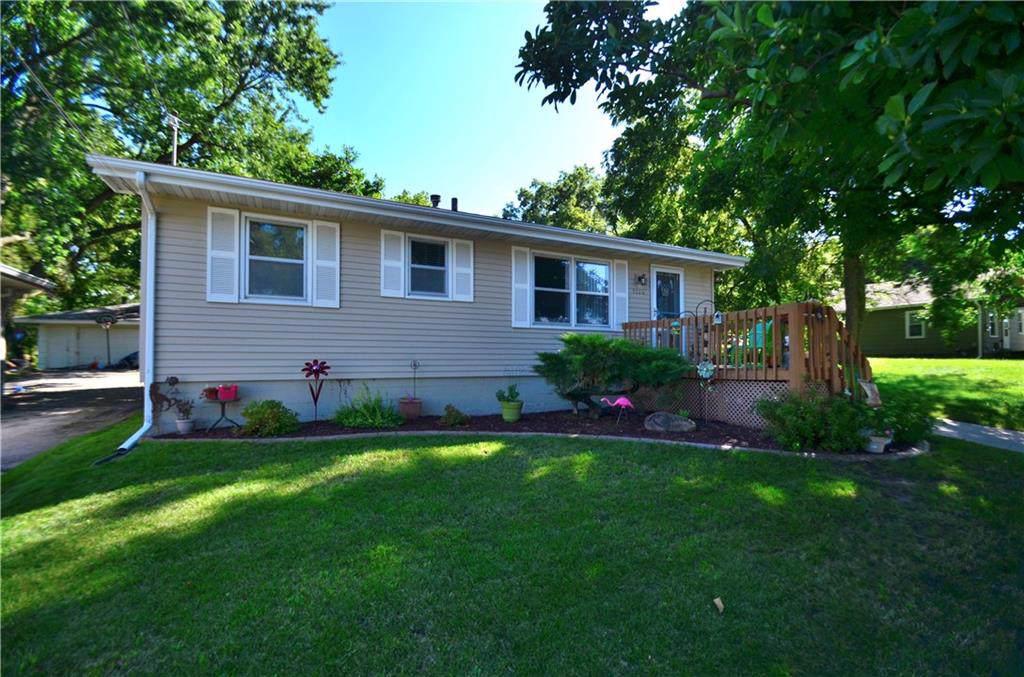 1124 Frazier Avenue, Des Moines, IA 50315 (MLS #589530) :: Colin Panzi Real Estate Team