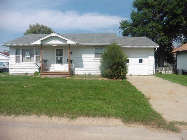 515 E Jackson Street, Centerville, IA 52544 (MLS #591569) :: Better Homes and Gardens Real Estate Innovations