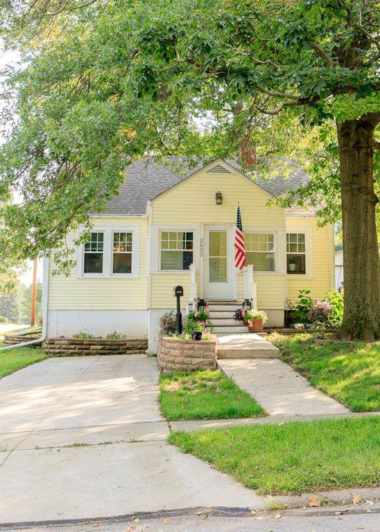 2625 36th Street, Des Moines, IA 50310 (MLS #591572) :: Better Homes and Gardens Real Estate Innovations