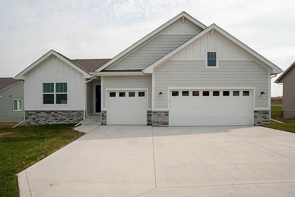 1001 Lost Lake Drive, Polk City, IA 50226 (MLS #592931) :: Pennie Carroll & Associates
