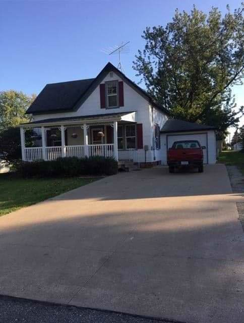906 5th Street, Sully, IA 50251 (MLS #593214) :: Better Homes and Gardens Real Estate Innovations