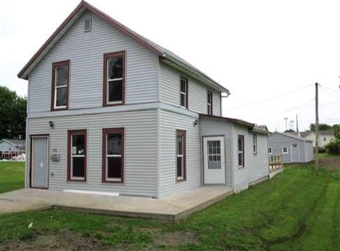 712 Pearl Street, Grinnell, IA 50112 (MLS #594117) :: Pennie Carroll & Associates